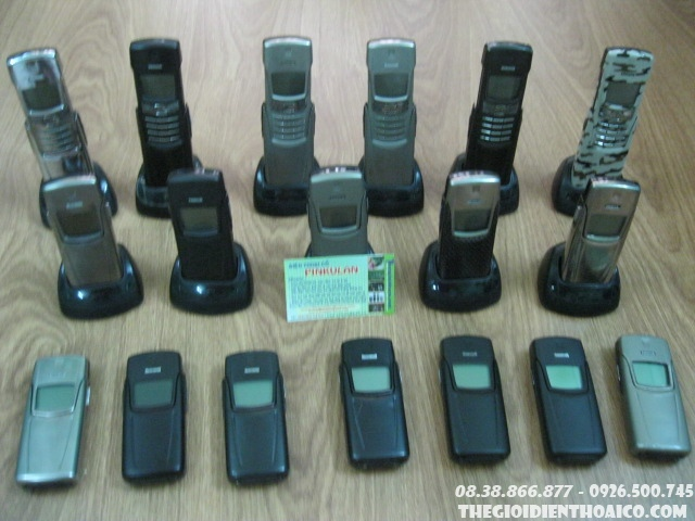 Nokia_8910i_1OGsrA.jpg