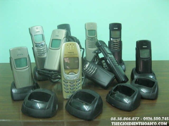 Nokia_8910i_5.jpg