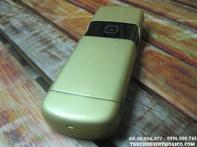 Nokia-8600-103014.jpg