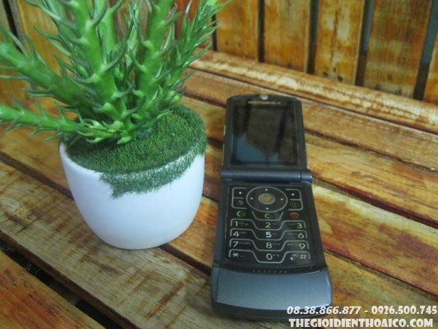 Motorola-V3-106274t2K.jpg