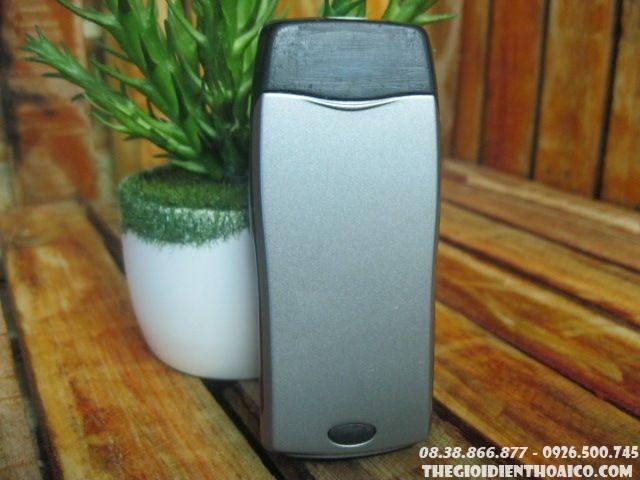 Nokia-8250-1124.jpg