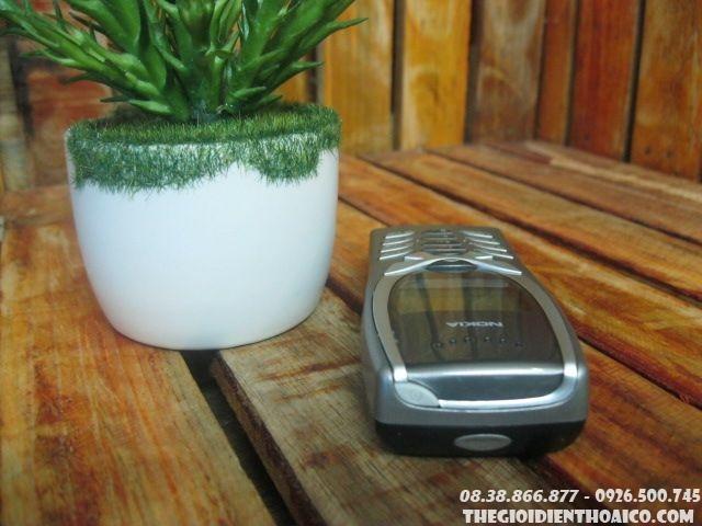 Nokia-8250-112411.jpg
