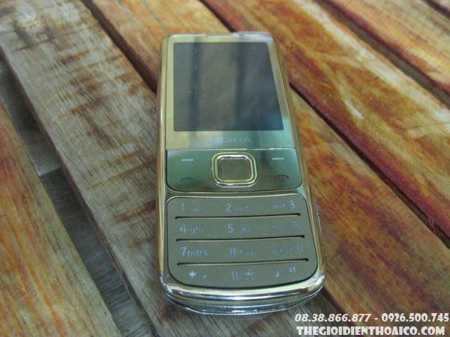 Nokia-6700c-112910.jpg