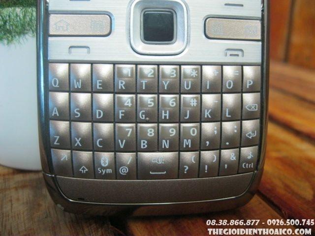 Nokia-E72-114311.jpg