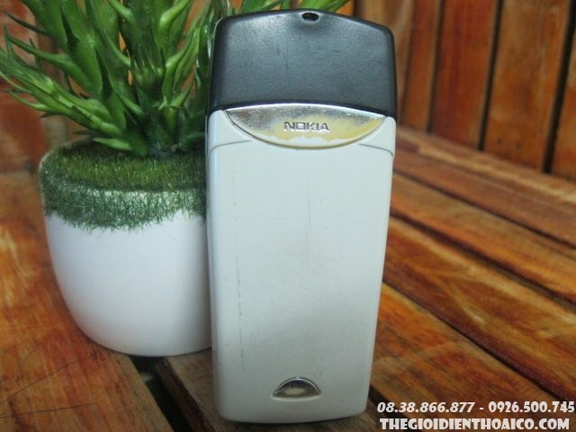Nokia-8310-11689.jpg