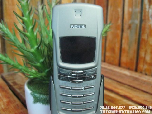 Nokia-8910i-11918.jpg