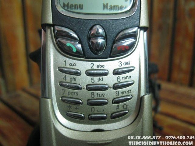 Nokia-8800-Gold5.jpg