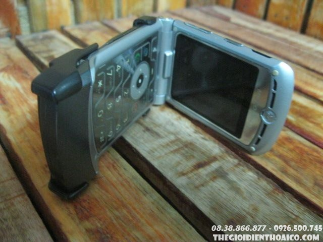 Motorola-V3-phien-ban-rent11.jpg