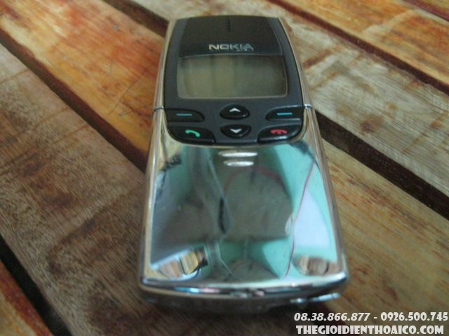 Nokia-8810-123911.jpg