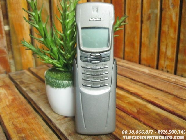 Nokia-8910-Titan-127311.jpg