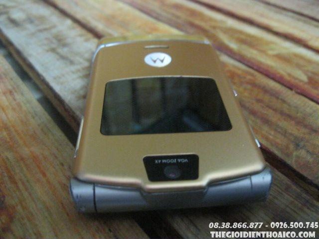 Motorola-V3-Gold-130611.jpg