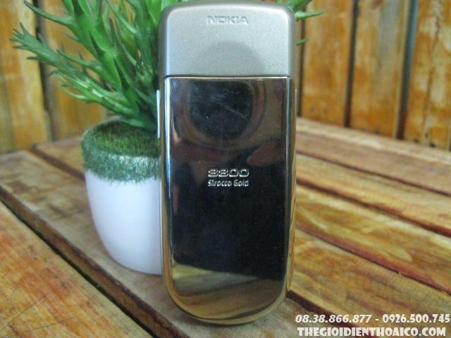 Nokia-8800-Sirocco-gold-zin-130310.jpg