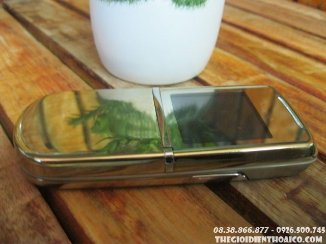 Nokia-8800-Sirocco-gold-zin-130312.jpg
