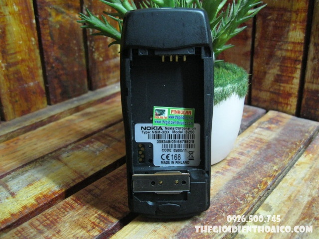 nokia-8250-vo-nokia-8250-pin-nokia-8250-phim-nokia-8250_7.jpg