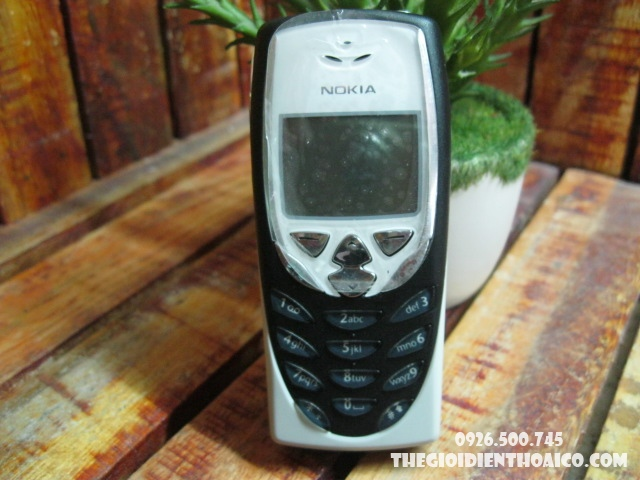 nokia-8310-pin-nokia-8310-vo-nokia-8310-phim-nokia-8310_1ZWagt.jpg