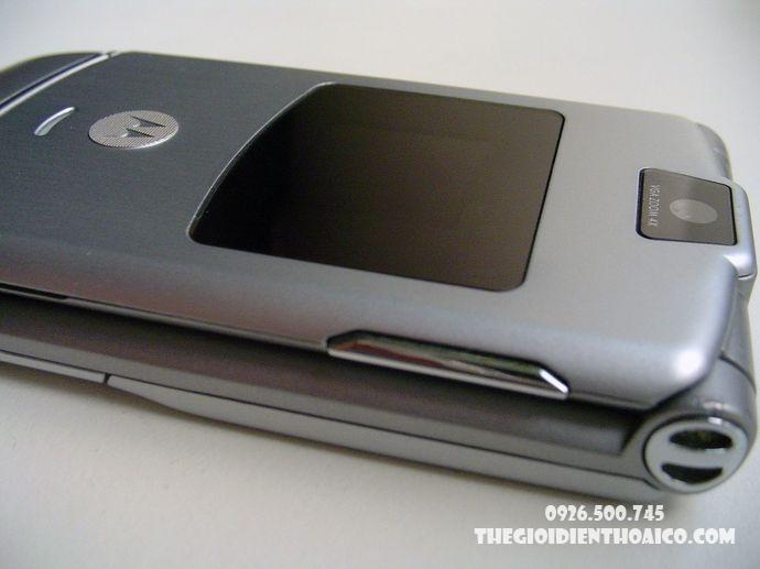 Motorola-V3-Motorola-V3-zin-vo-Motorola-V3-ban-phim-Motorola-V3-Motorola-V3-chinh-hang_1result.jpg