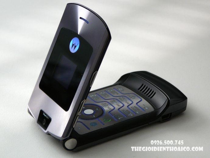 Motorola-V3-Motorola-V3-zin-vo-Motorola-V3-ban-phim-Motorola-V3-Motorola-V3-chinh-hang_2result.jpg