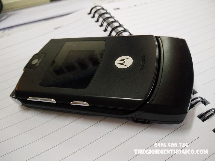 Motorola-V3-Motorola-V3-zin-vo-Motorola-V3-ban-phim-Motorola-V3-Motorola-V3-chinh-hang_6result.jpg