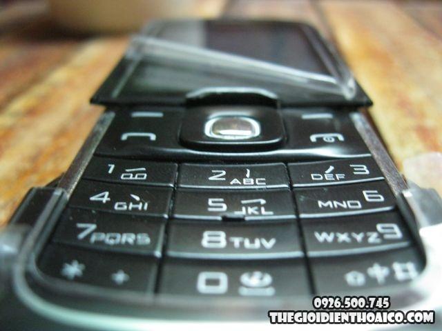 Nokia-8600_7.jpg