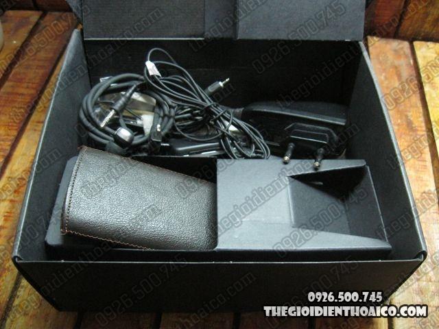 Nokia-6700-Fullbox_7.jpg