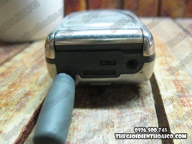 Motorola-V60i_6.jpg