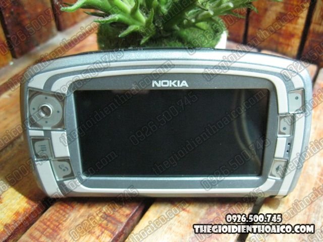Nokia-7710-Proto_6.jpg