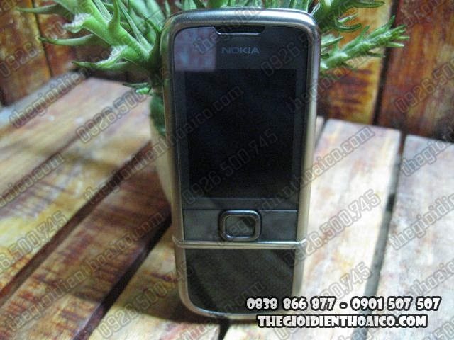 Nokia-8800-Shaphire_1.jpg