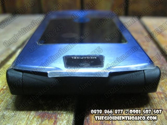 Motorola-V3i-Xanh_6.jpg
