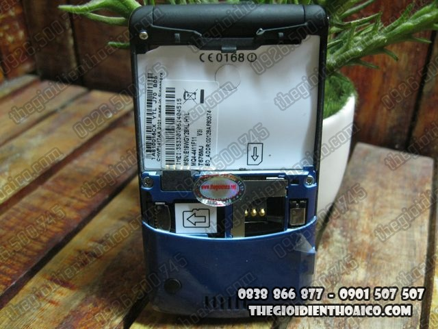 Motorola-V3i-Xanh_9.jpg