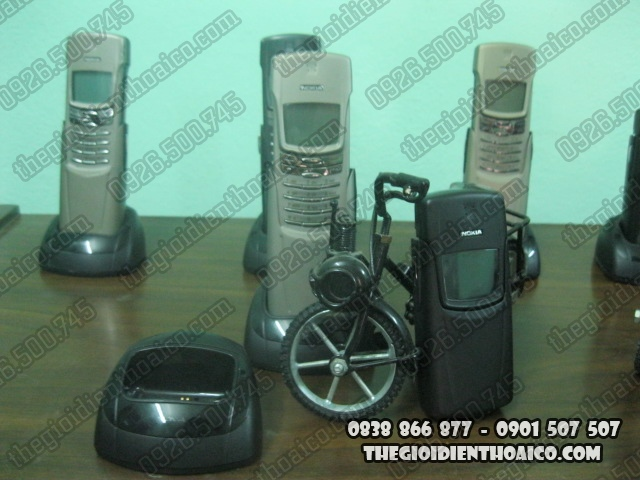 Nokia_8910-Nokia_8910i_71.jpg