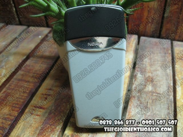 Nokia-8310_4.jpg
