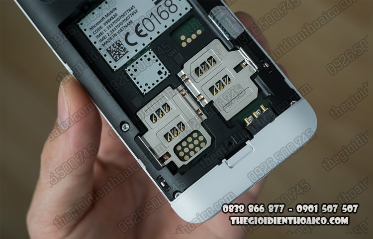 Nokia_230_Dual_SIM_10.jpg