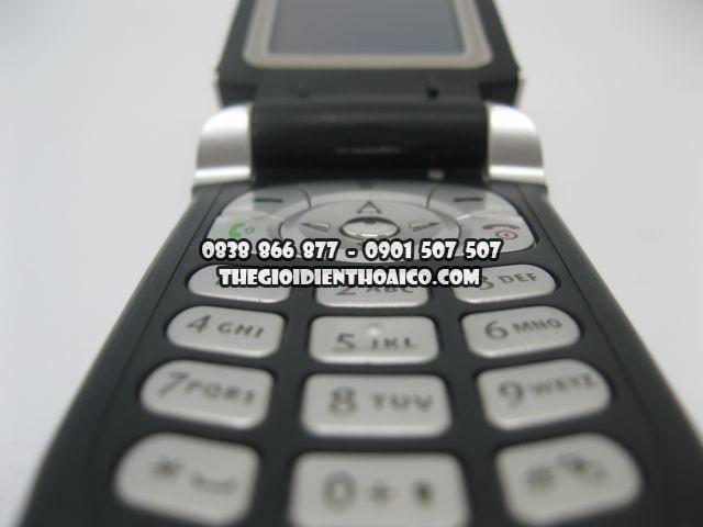 Motorola-V180_8.jpg