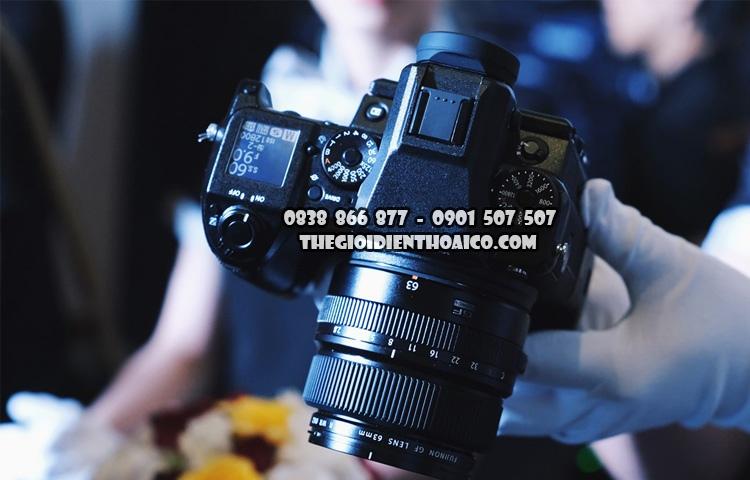 Fujifilm-GFX_50S_2.jpg
