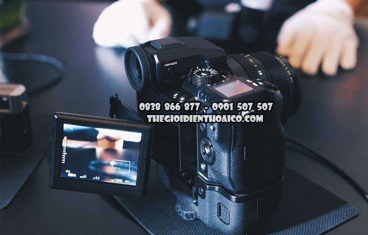 Fujifilm-GFX_50S_4.jpg