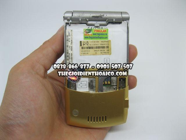 Motorola-V3i-Gold-2066_10.jpg