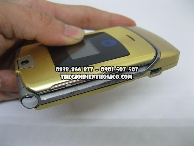 Motorola-V3i-Gold-2066_6.jpg