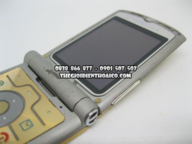 Motorola-V3i-Gold-2066_9.jpg