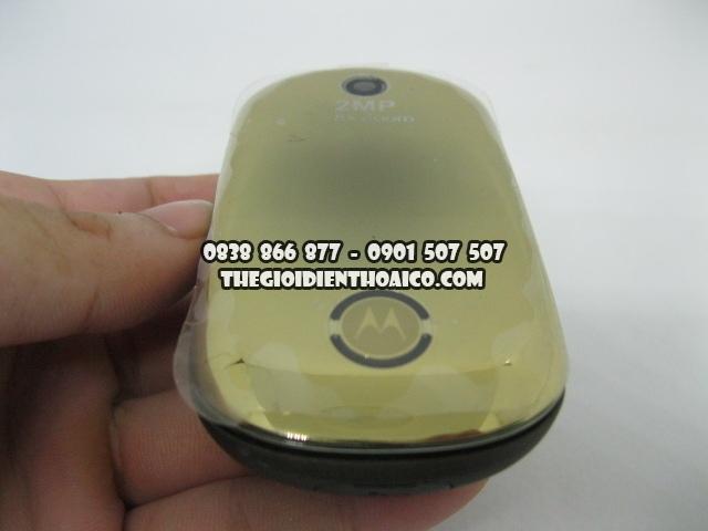Motorola-U9-Vang_1.jpg