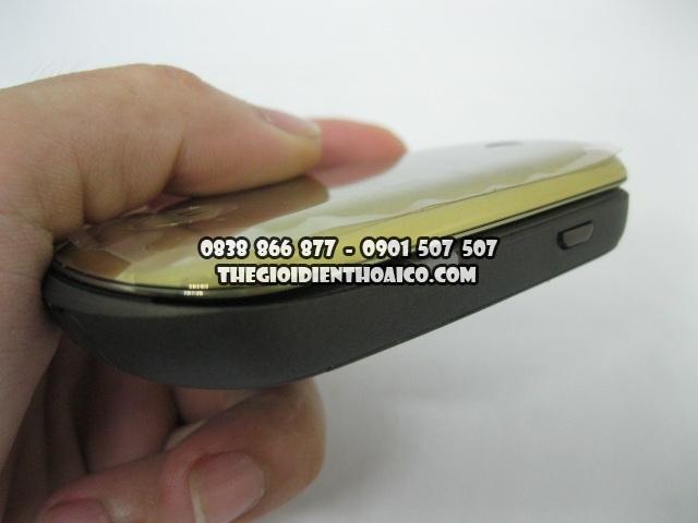 Motorola-U9-Vang_4.jpg