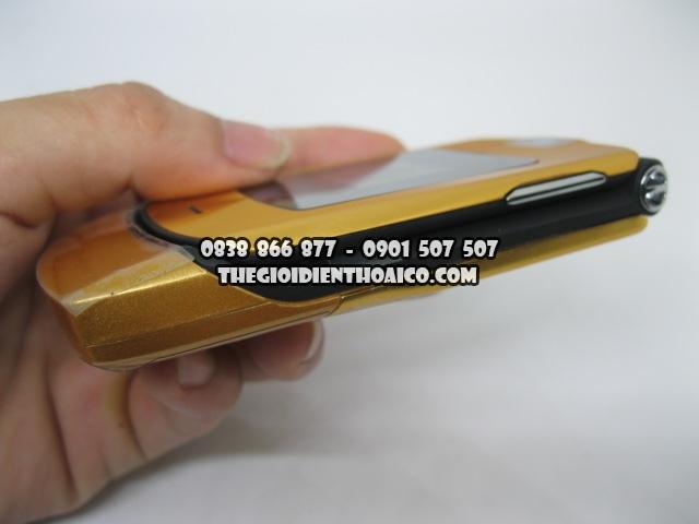 Motorola-V3i-Gold_3.jpg