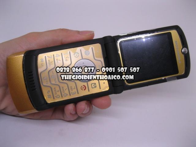 Motorola-V3i-Gold_7.jpg