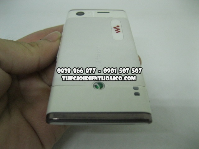 Sony_Ericsson_W595-Trang_2.jpg