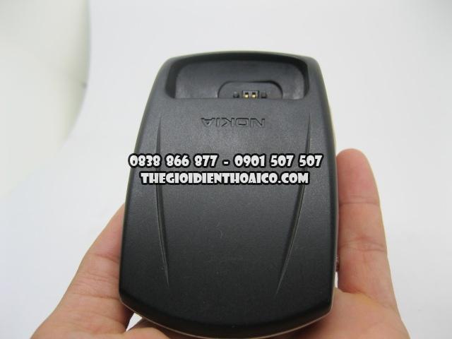 Doc-sac-Nokia-8850_6.jpg