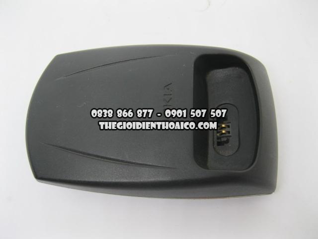 Doc-sac-Nokia-8850_9.jpg