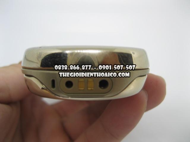 Nokia-8800-Sirocco-Gold_5.jpg