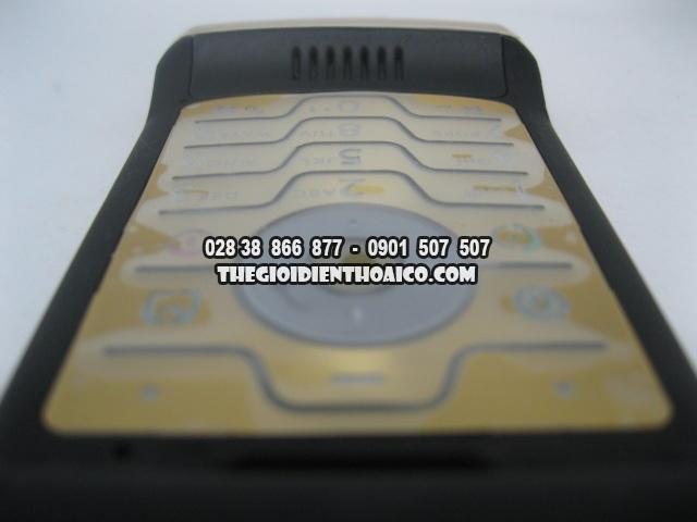 Motorola-V3i-Gold_10.jpg