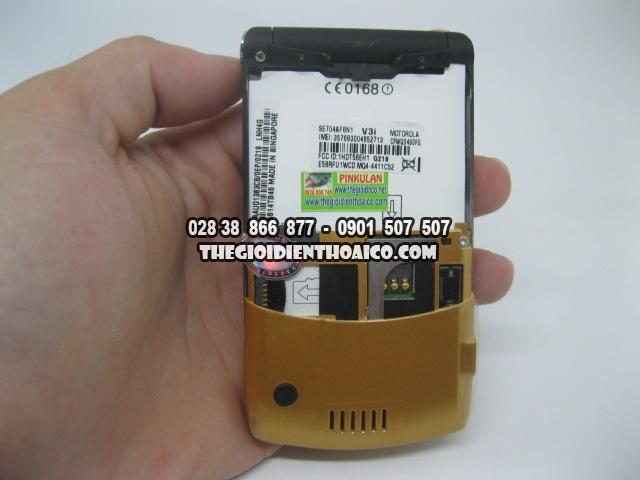 Motorola-V3i-Gold_12.jpg