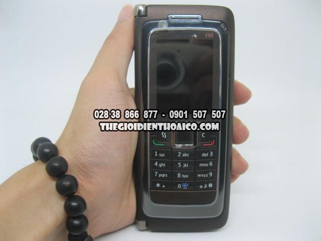 Nokia-E90-2173_9.jpg