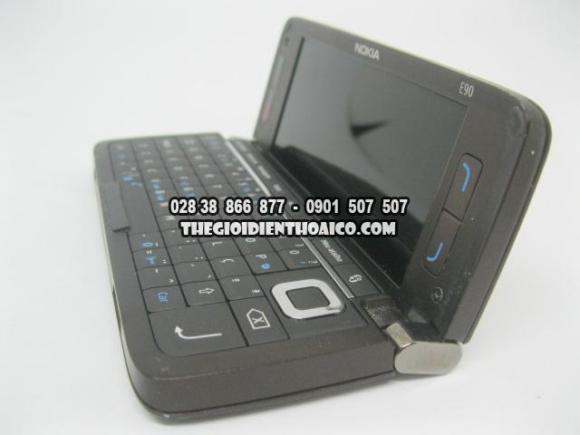 Nokia-E90-2175_16.jpg